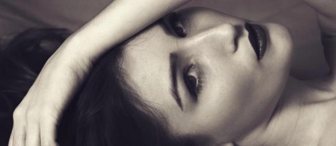 W jaki sposób dbać o mało jędrną skórę twarzy