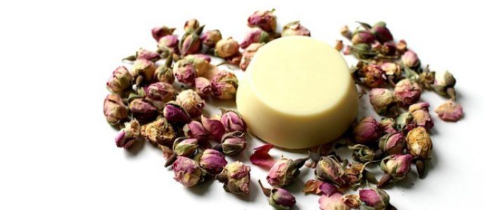 Naturalne masła do ciała – skuteczny sposób na jędrną i zdrową skórę