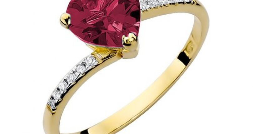 Historyczne pierścionki z rubinem
